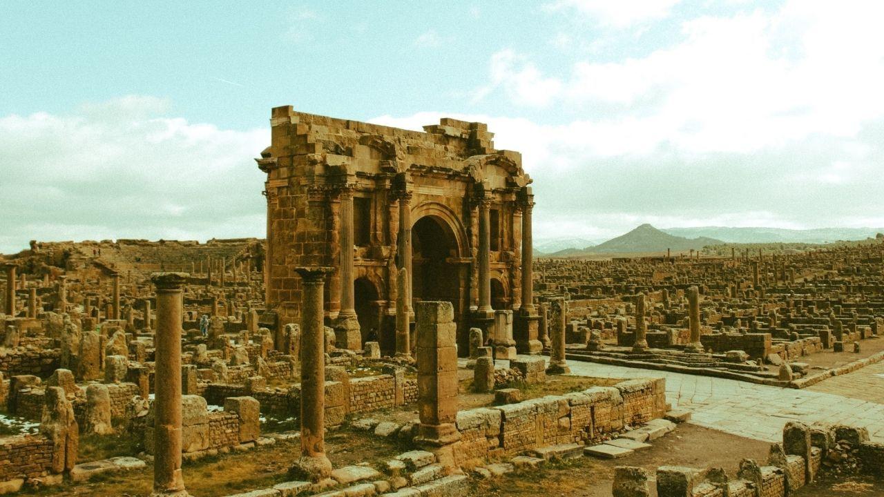 Uygarlıkların merkezi : Efes Antik Kenti - Sayfa 2