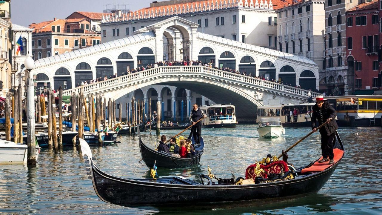 Kanallar arasında bir şehir: Venedik - Sayfa 4