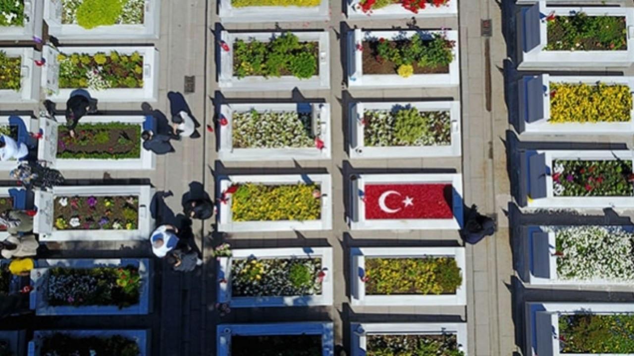 Büyükşehir'den şehit ailelerine mezarlıklara ulaşım imkanı