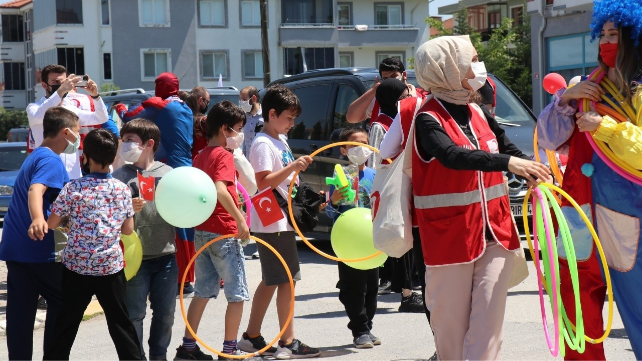 Kızılay'dan Çocuklara Ramazan Bayramı Jesti