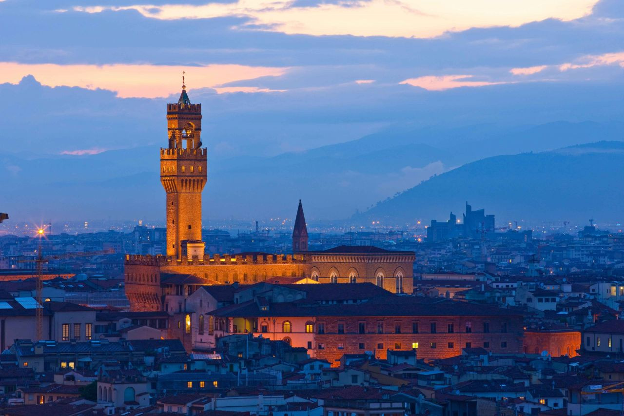 Floransa'nın Tarihi Sarayı Palazzo Vecchio - Sayfa 1