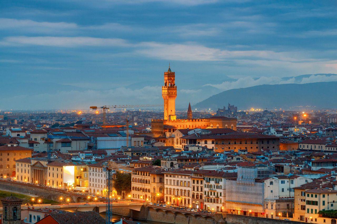 Floransa'nın Tarihi Sarayı Palazzo Vecchio - Sayfa 2