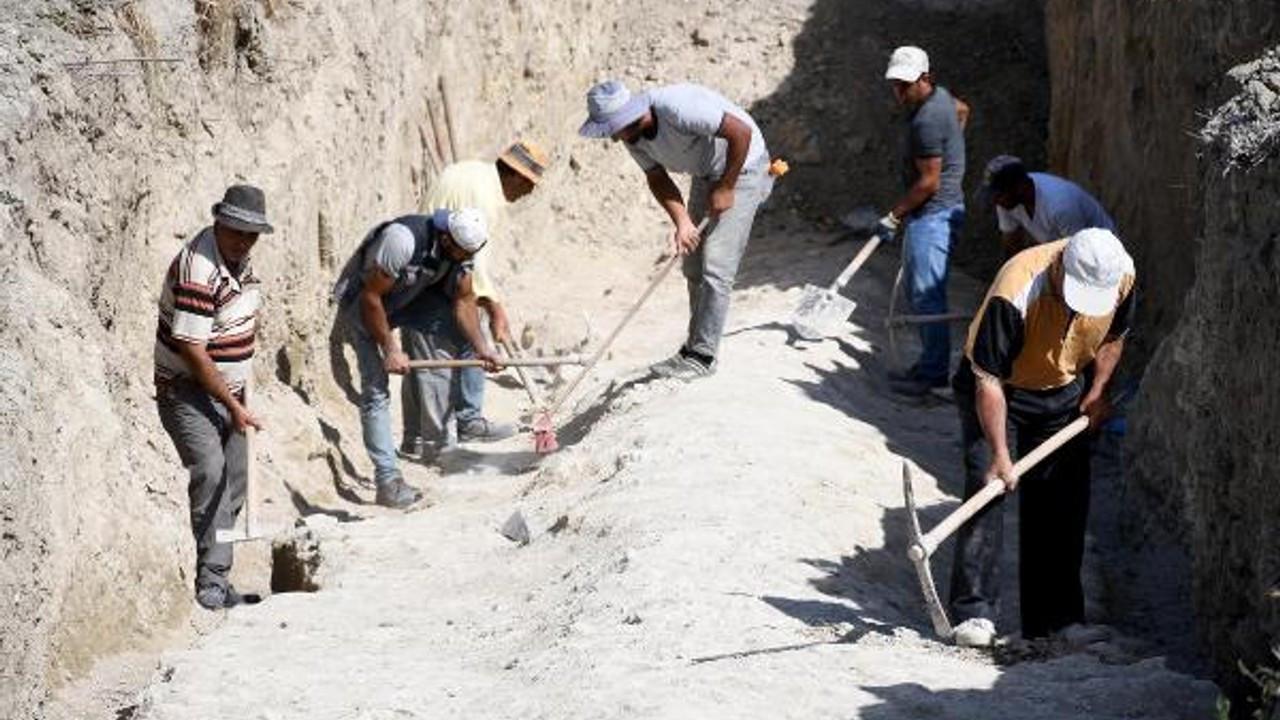 Kuşadası'nda 2 bin yıllık antik su kanalı bulundu