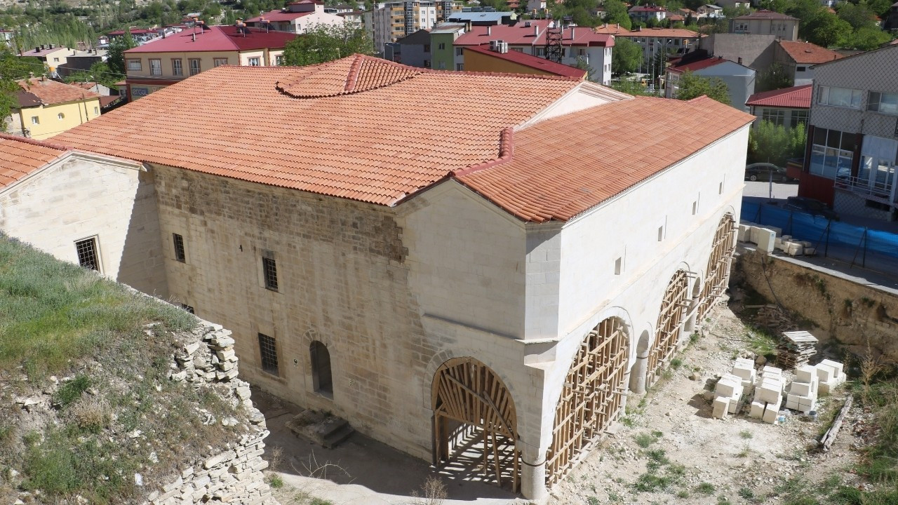 Bölgenin en büyük kilisesi asıl görünümüne kavuştu