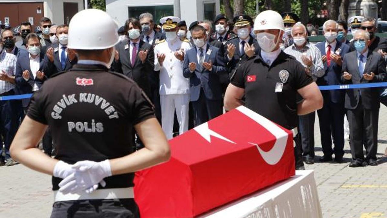 Çanakkale'de trafik kazasında şehit olan polis memuru için tören