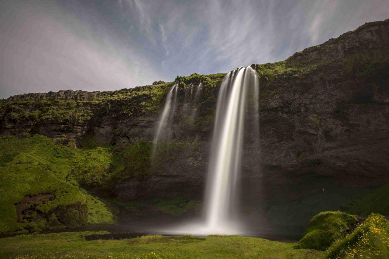 İzlanda'nın En Güzel Şelalesi: Seljalandsfoss - Sayfa 1
