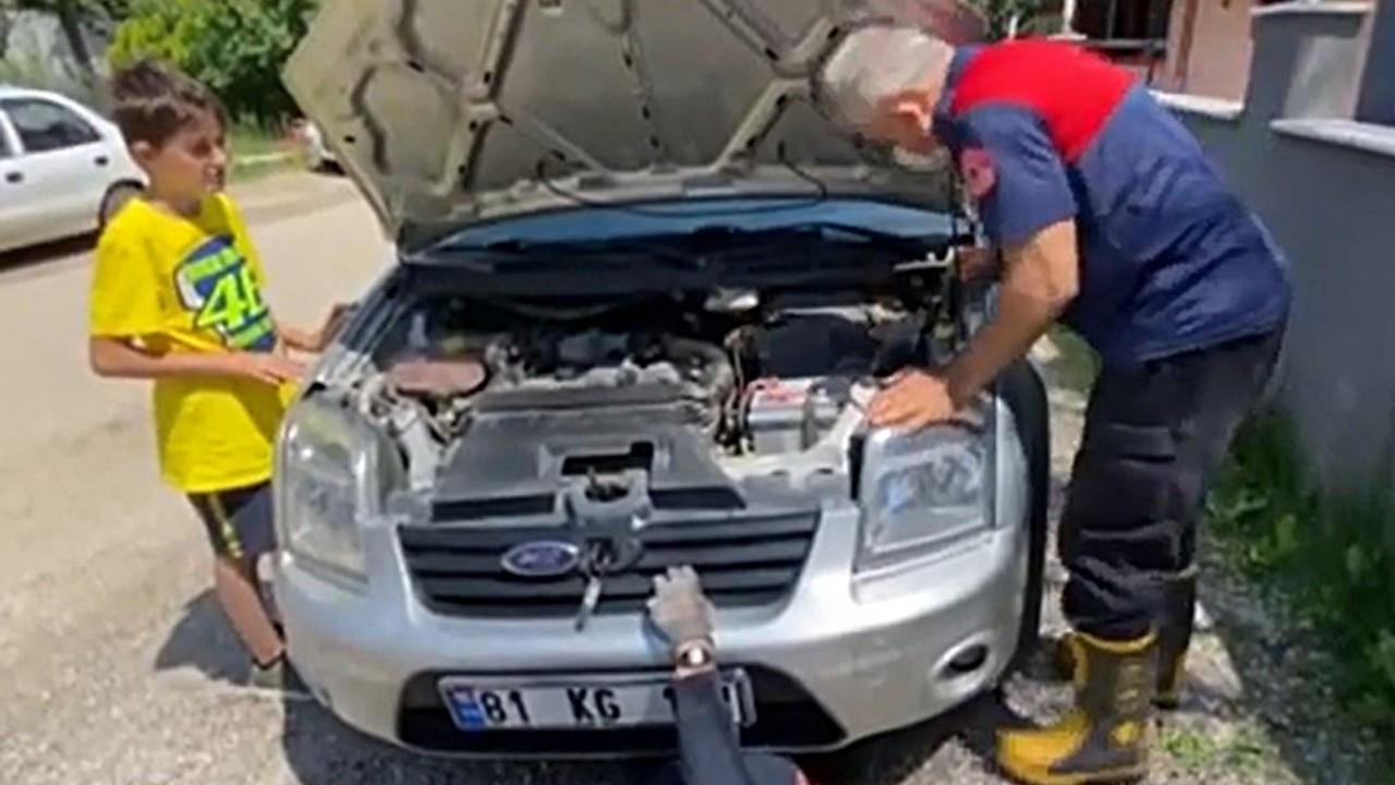 Aracın motorunda Bolu'dan Düzce'ye gitti