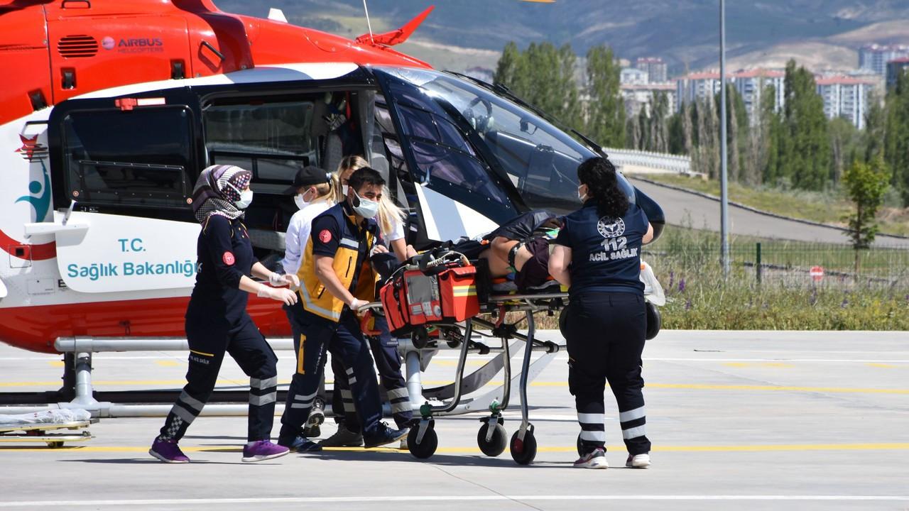 İnşaattan düşen işçi, ambulans helikopterle sevk edildi