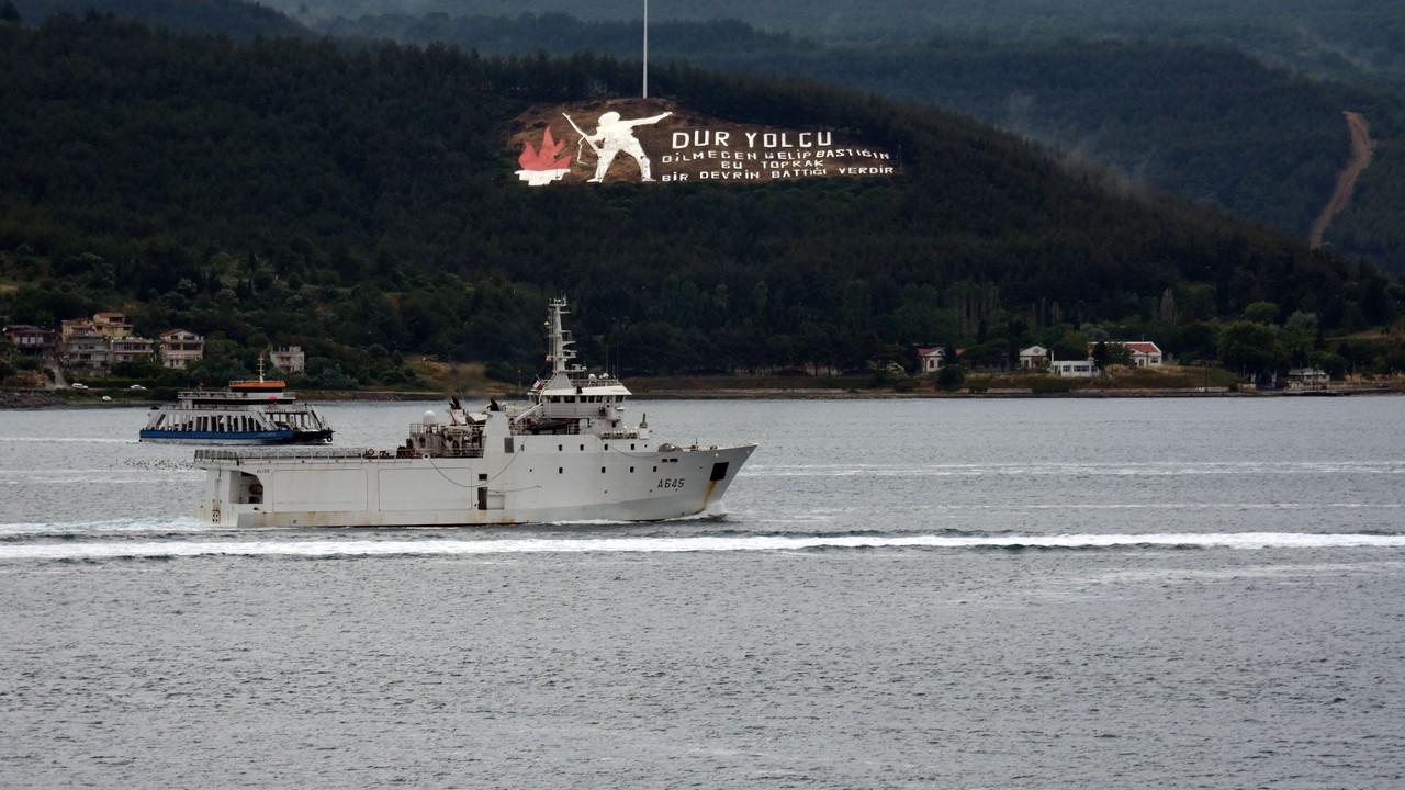 Fransız savaş gemisi,Çanakkale Boğazı'ndan geçti