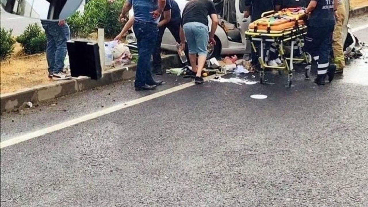 İzmir'de otomobil iş makinesine çarptı: 1 ölü, 1 yaralı