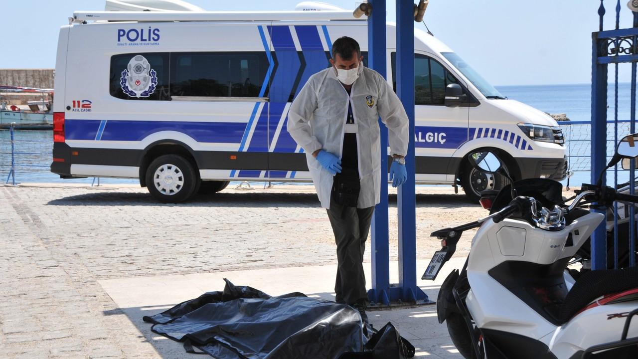 Antalya'da eşiyle denize giren kadın boğuldu
