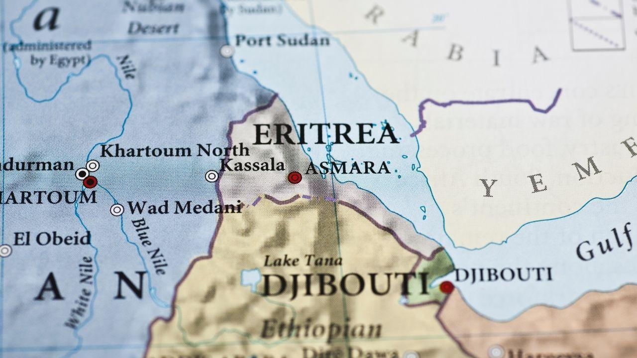 Doğu Afrika'nın kuzeyinde renkli  insanlarıyla: Eritre - Sayfa 1