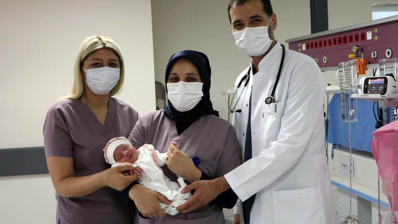 Bebeğini hastanede bırakıp kaçtı
