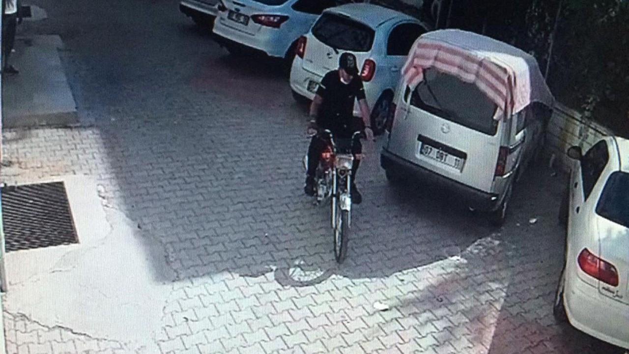 Hırsızlık yapmadan önce tanınmamak için dövmesini gizledi
