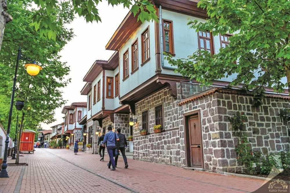 Ankara'nın Tarihi Bölgesi: Hamamönü - Sayfa 2
