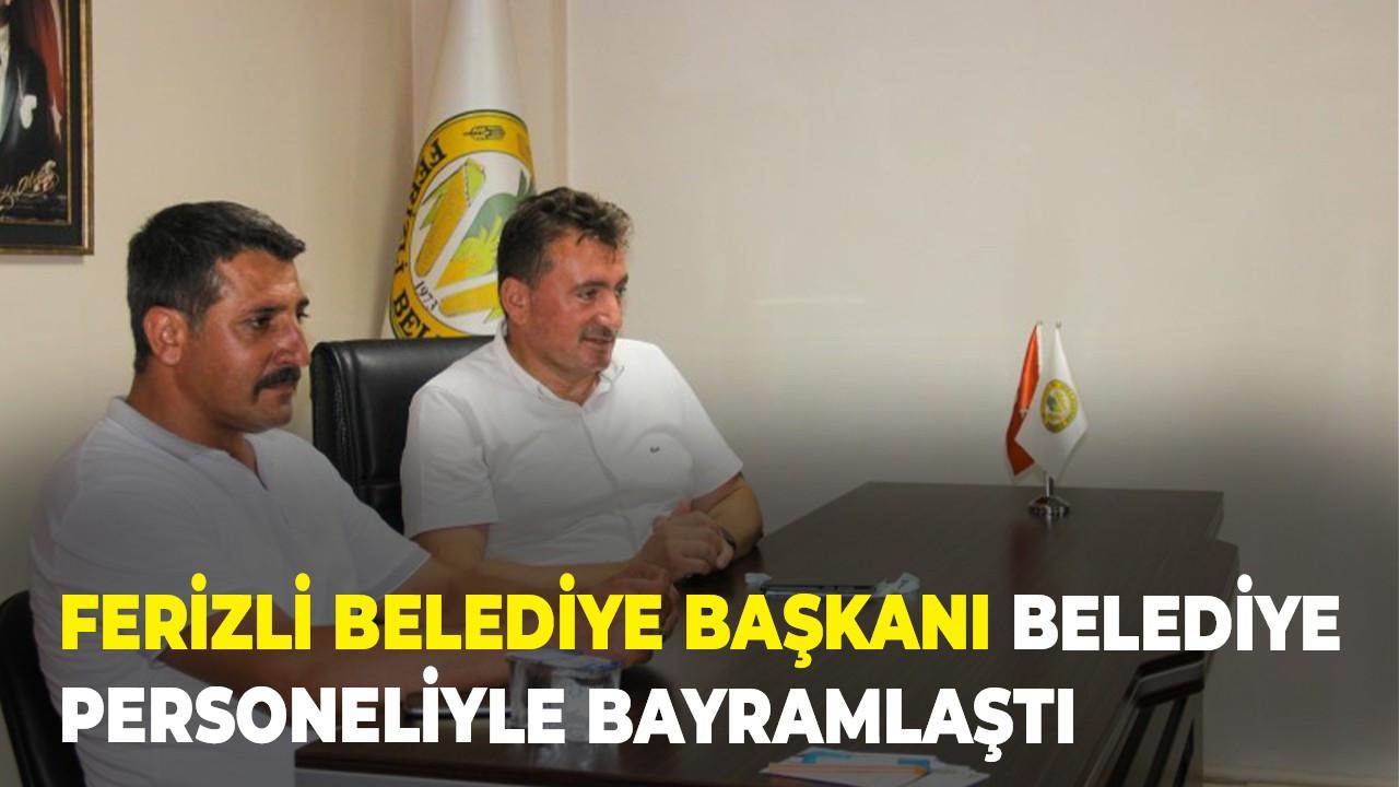 Ferizli Belediye Başkanı belediye personeliyle bayramlaştı