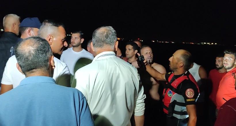 8 saat kaldığı denizde gücü tükendiği için karaya çıkamayan kişi kurtarıldı