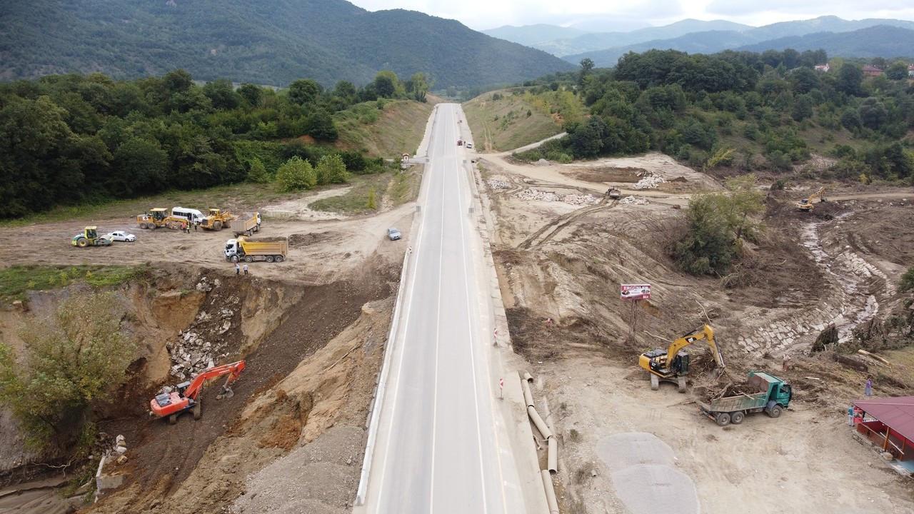 Bartın'da selde çöken kara yolunun 200 metrelik bölümü onarıldı