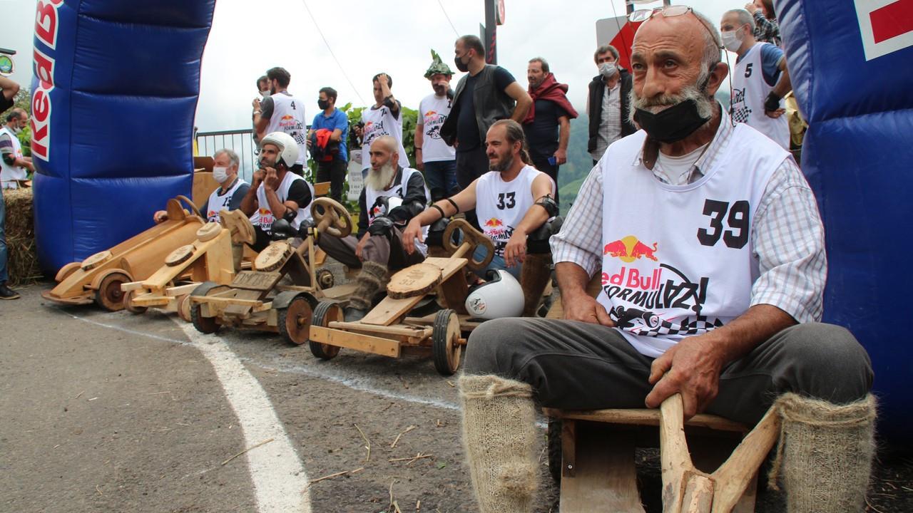 Rize'de 'formulaz' tahta araba yarışları heyecanı