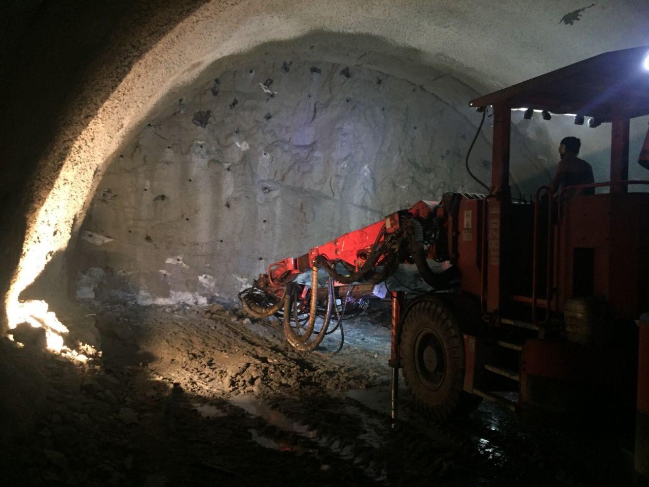 Dünyanın üçüncü en uzun çift tüplü kara yolu tüneli Zigana'da sona yaklaşıldı - Sayfa 2