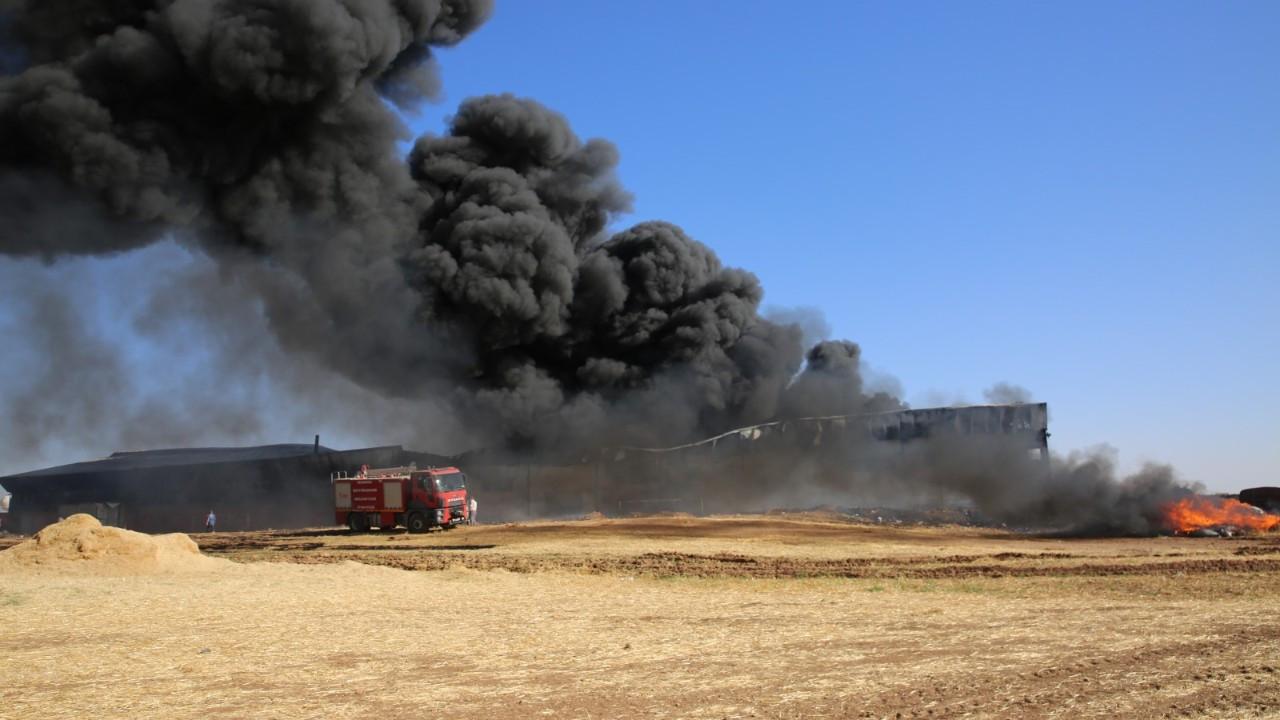Mardin'de plastik atık fabrikasında yangın çıktı