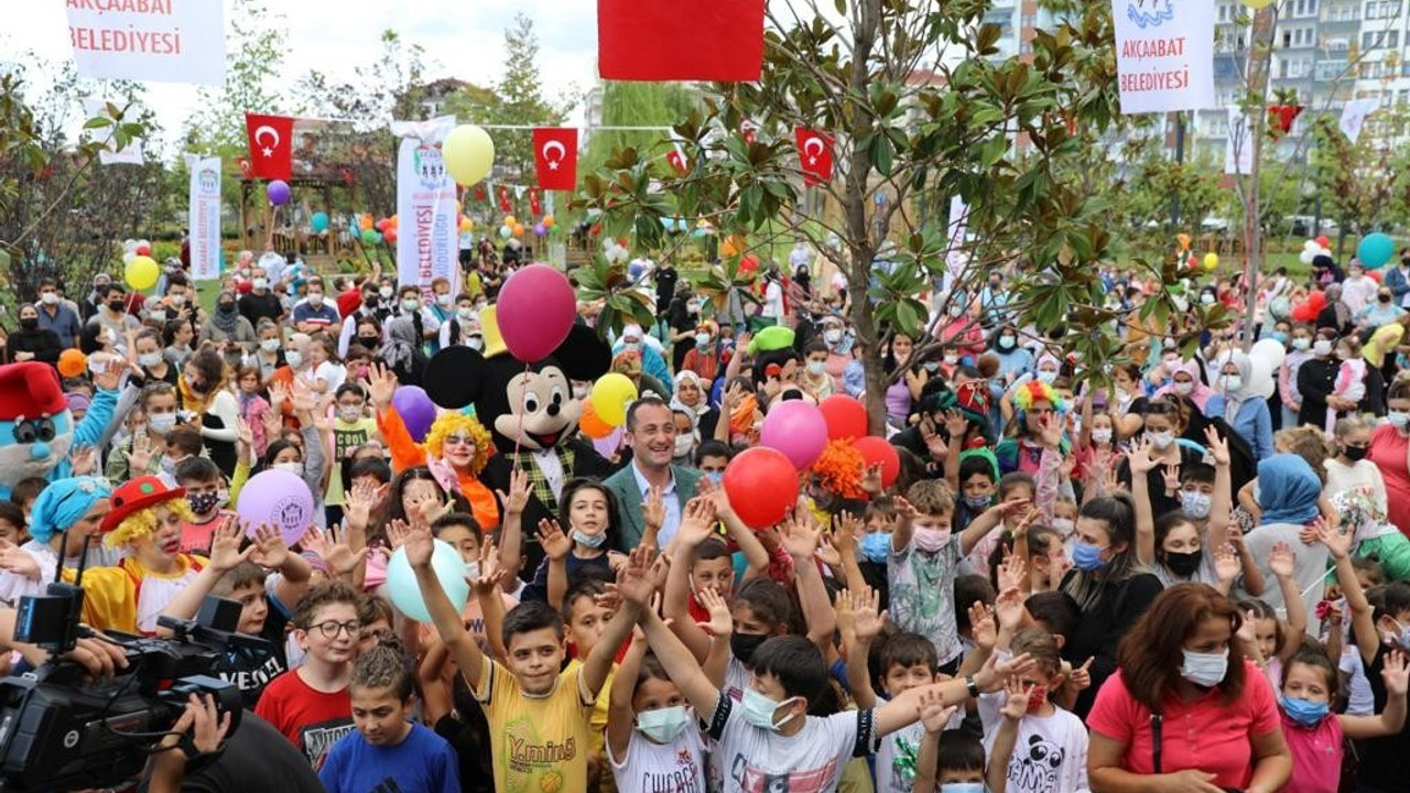 Akçaabat Millet Bahçesinde çocuk şenliği düzenlendi