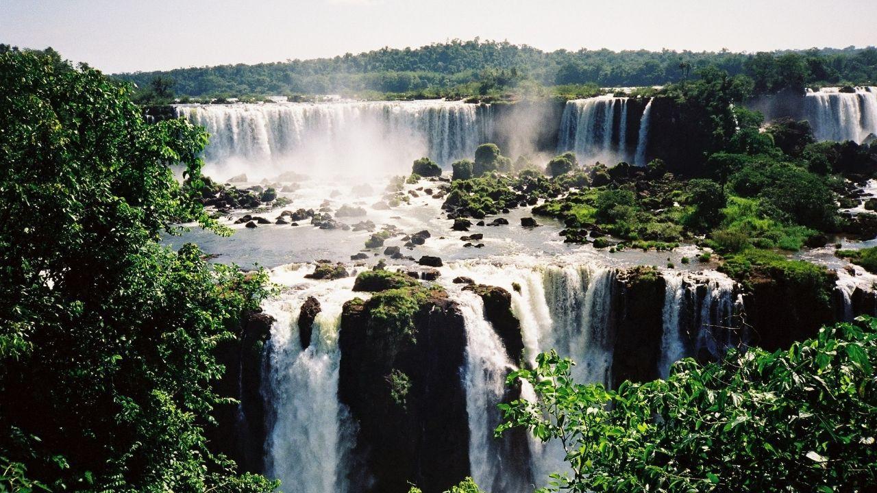 Görenleri büyüleyen Iguazu Şelalesi - Sayfa 1