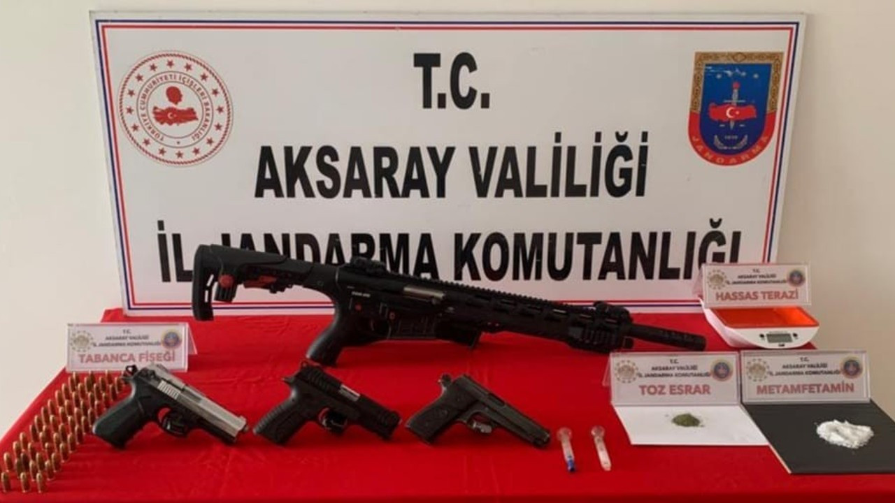 Silah ticareti yapan 3 şüpheli yakalandı