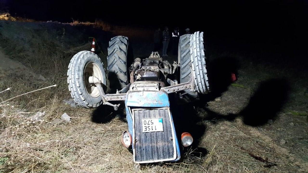 Devrilen traktörün altında kalan sürücüsü öldü
