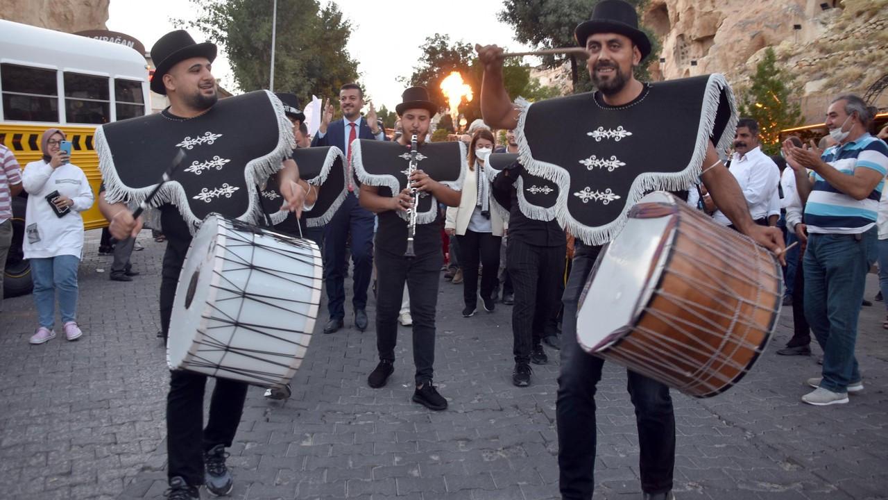 Ürgüp'te 49'uncu 'Bağ Bozumu ve Balon Festivali' başladı