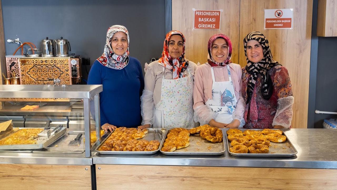 İlçenin ilk pastanesini kadınlar açtı