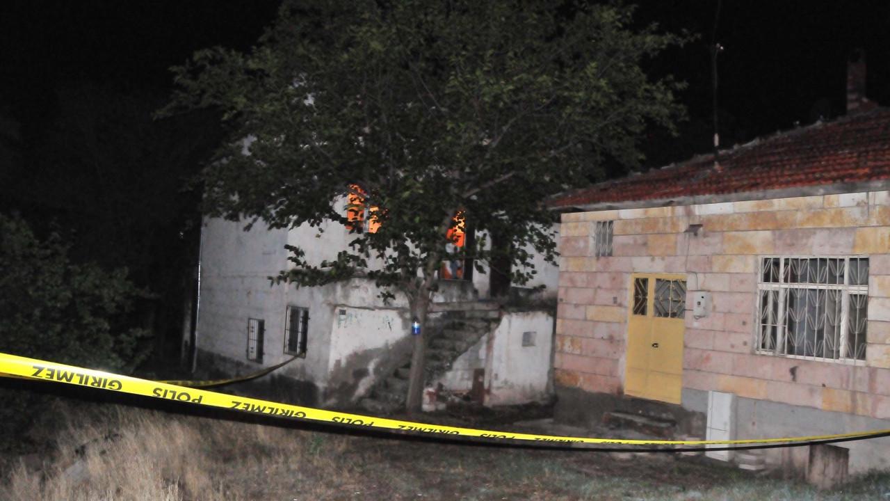 Azerbaycan uyruklu kadını öldürdü, trenin önüne atlayarak intihar etti