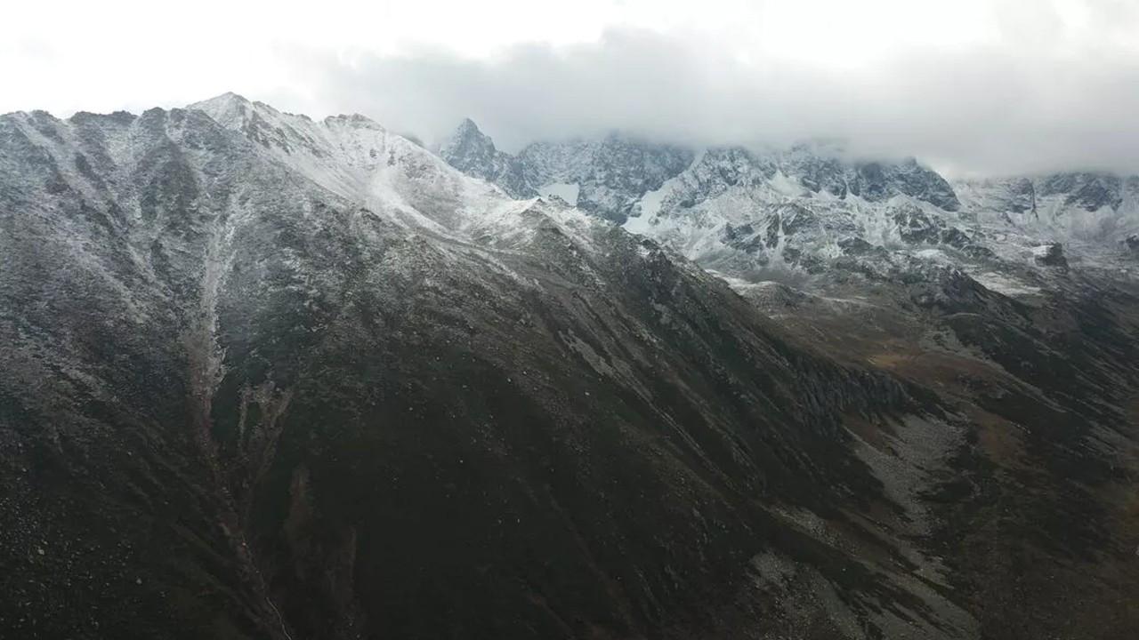 Doğu Karadeniz'in yüksek kesimleri beyaza büründü