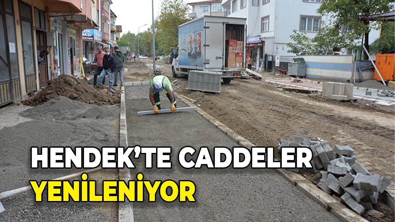 Hendek'te caddeler yenileniyor