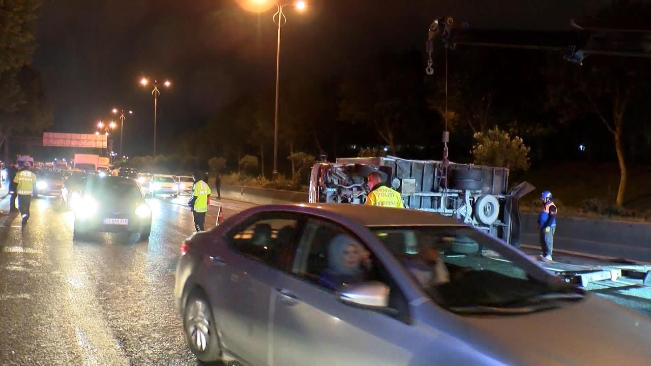 Esenler'de zincirleme trafik kazası; 5 yaralı
