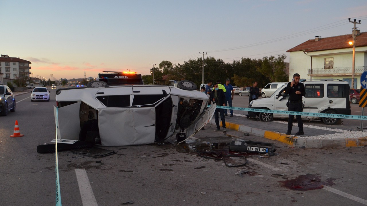 Aksaray'da kaza: 1 ölü, 1 yaralı
