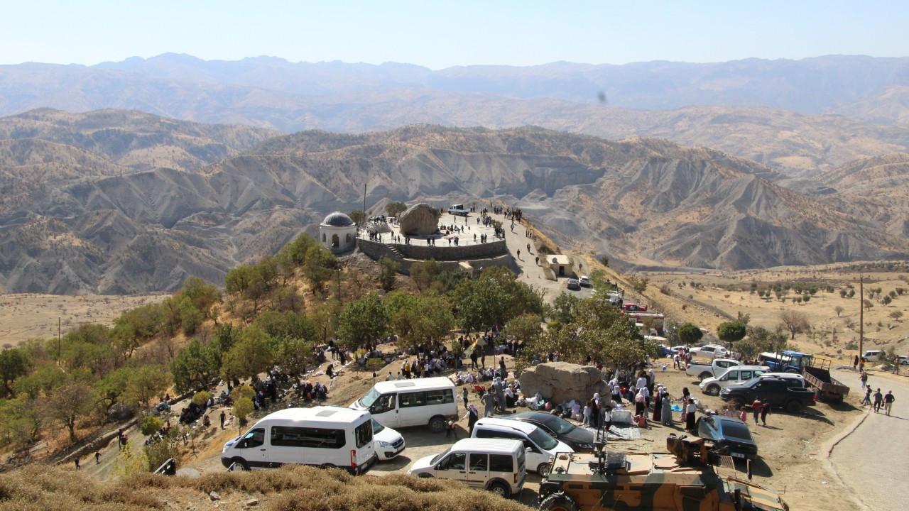 Şırnak'ta 3 asırlık 'mezarlık ziyareti' geleneği