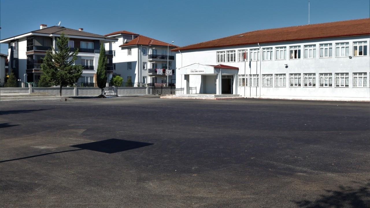 Serdivan'da okul bahçeleri yenileniyor