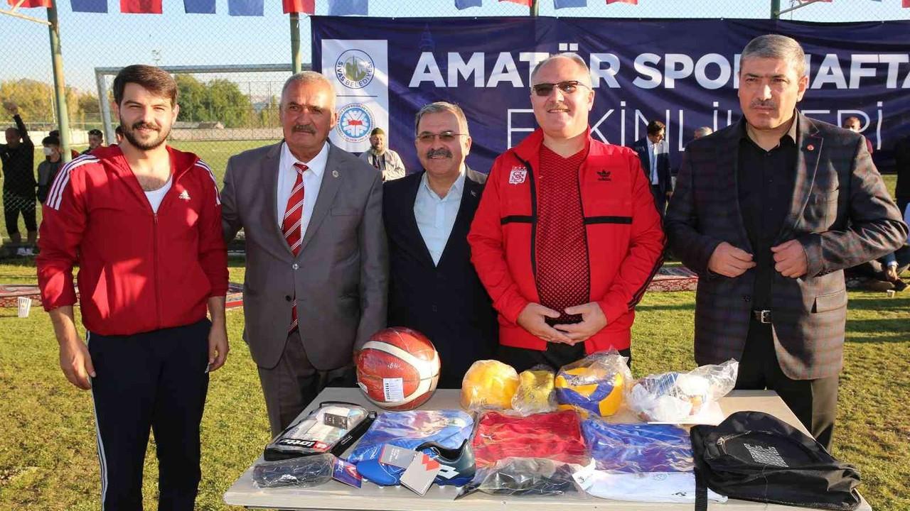 Sivas Belediyesinden 800 sporcuya malzeme desteği