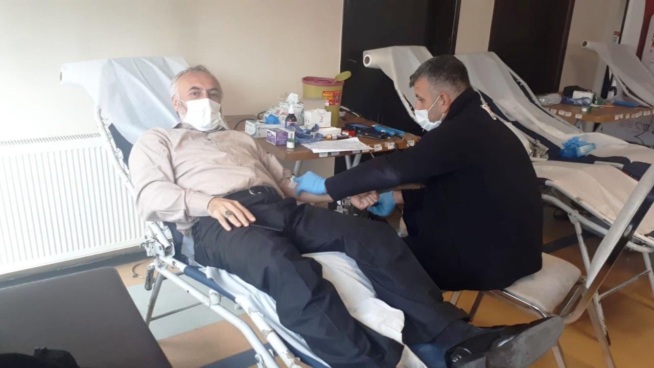 Din görevlilerinden Kızılay'a kan desteği