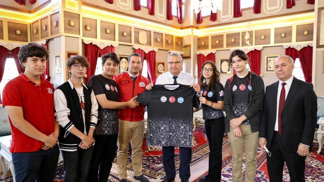 Başkan Çerçi şampiyonları ağırladı