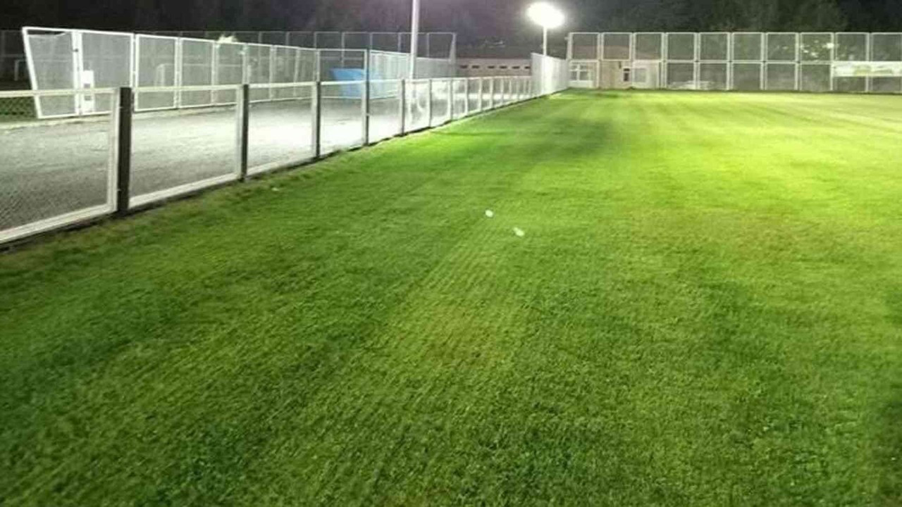 Sümer Stadı sentetik çim olacak