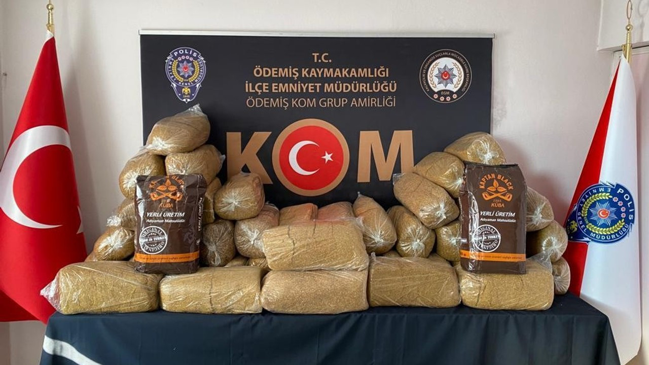 İzmir'de 215 kilogram kaçak tütün ele geçirildi