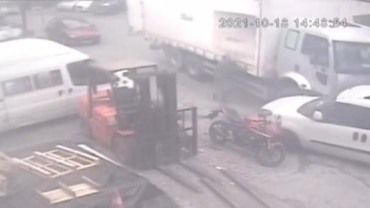 Freni boşalan kamyonu tutarak durdurmaya çalıştı ayakları ezildi
