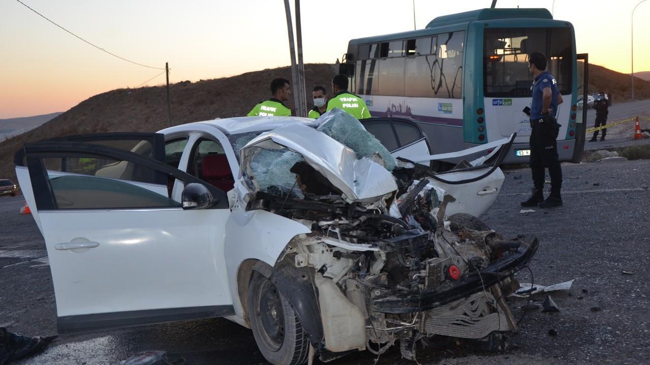 Şanlıurfa'da halk otobüsü ile otomobil çarpıştı: 11 yaralı